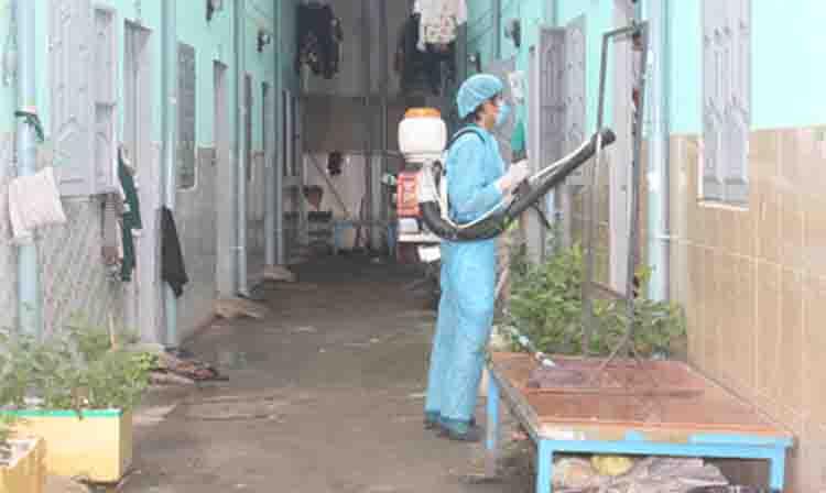 phun thuốc diệt muỗi tại Hòa Bình